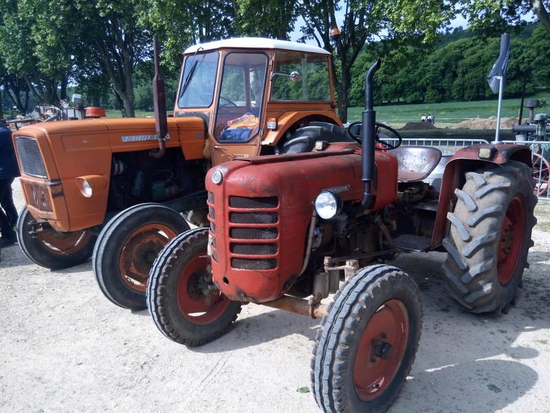84 - MALAUCENE  Tracteurs, camions, autos, motos.... - Page 3 Img_2626