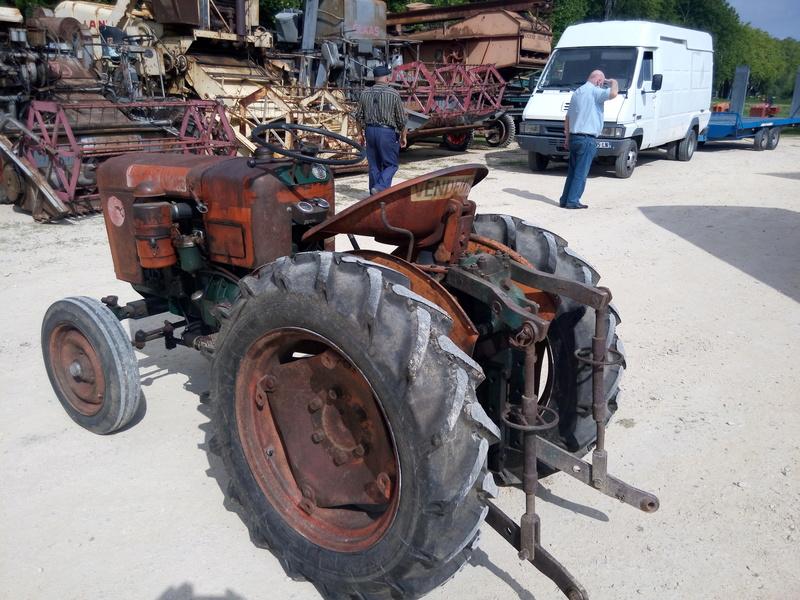 84 - MALAUCENE  Tracteurs, camions, autos, motos.... - Page 3 Img_2637