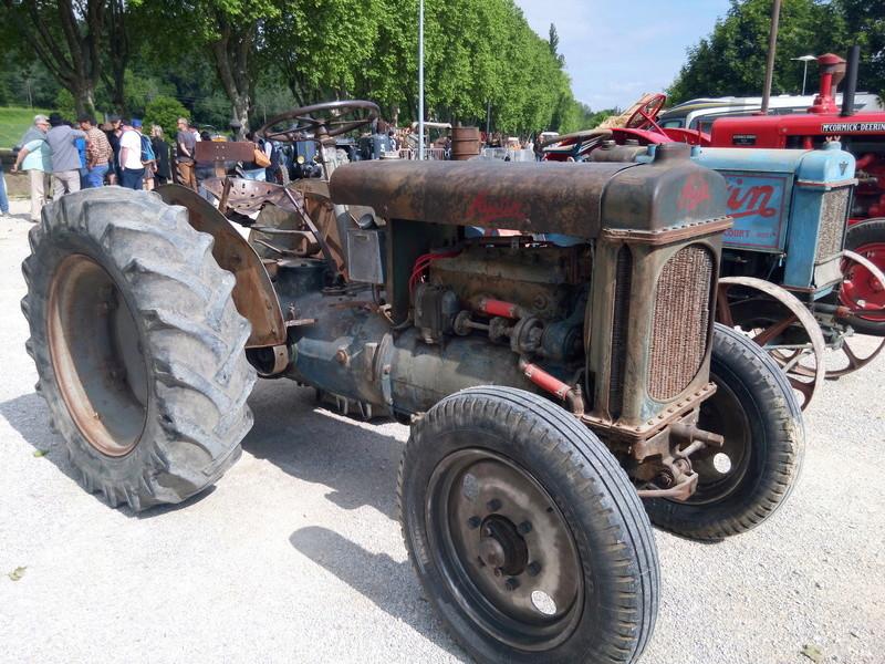 84 - MALAUCENE  Tracteurs, camions, autos, motos.... - Page 3 Img_2642