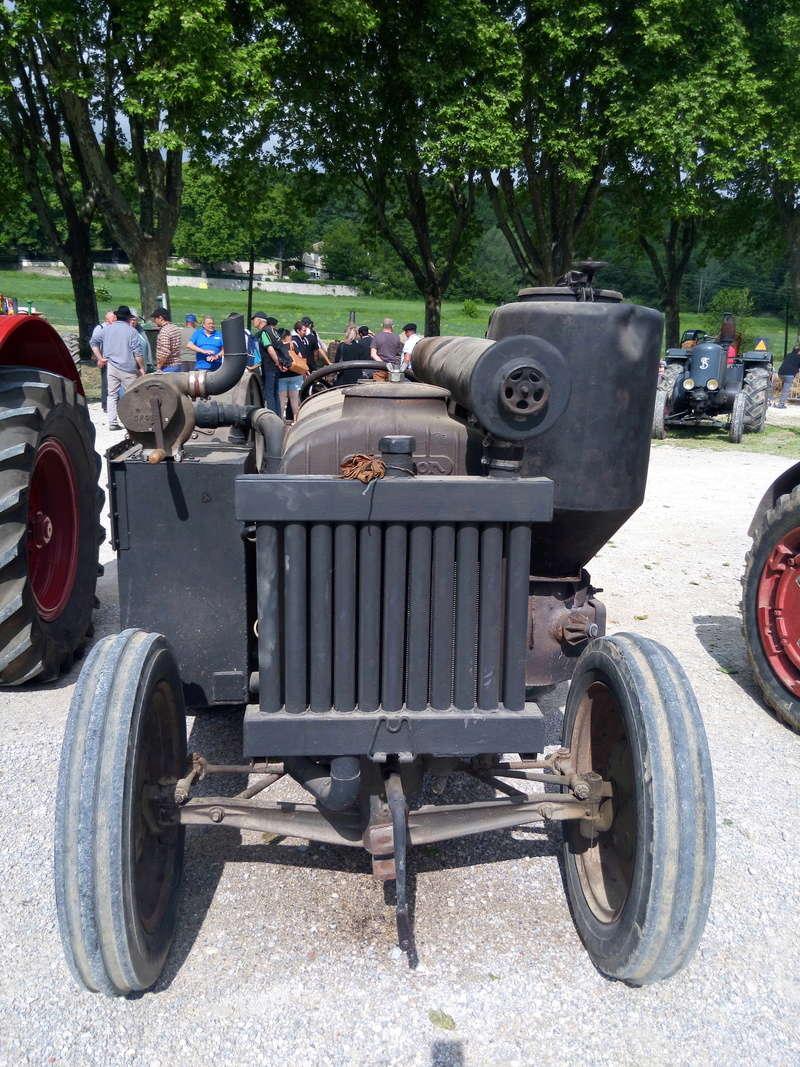 84 - MALAUCENE  Tracteurs, camions, autos, motos.... - Page 3 Img_2643