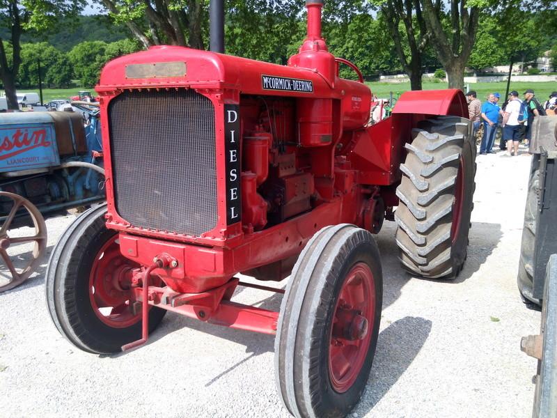 84 - MALAUCENE  Tracteurs, camions, autos, motos.... - Page 3 Img_2644