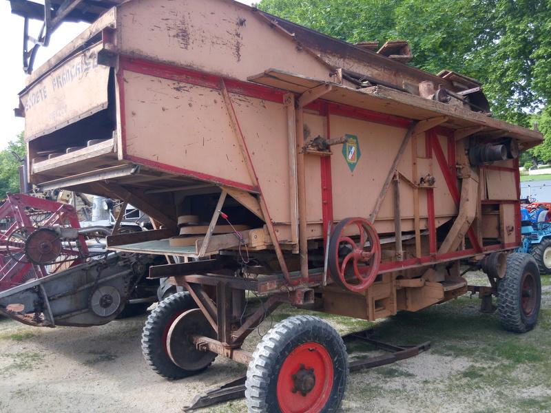84 - MALAUCENE  Tracteurs, camions, autos, motos.... - Page 3 Img_2690