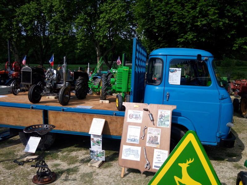 84 - MALAUCENE  Tracteurs, camions, autos, motos.... - Page 3 Img_2695