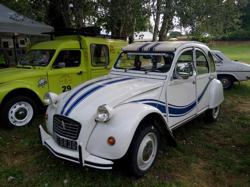 30 - MONTFRIN : 1ère exposition de véhicules anciens 2 et 3 Juin 2018 Img_2711