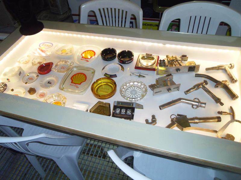 un petit Musée privé sur le thème des vieilles pompes à essence Imgp0727
