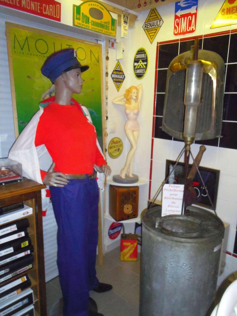 un petit Musée privé sur le thème des vieilles pompes à essence Imgp0733