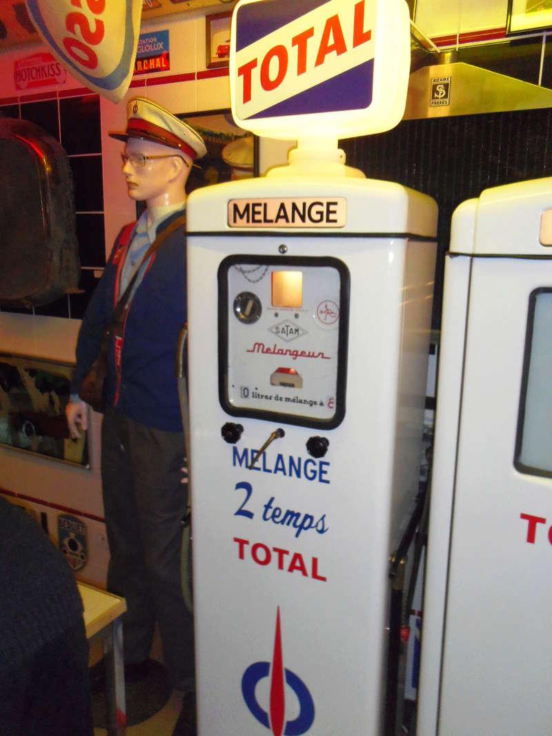 un petit Musée privé sur le thème des vieilles pompes à essence Imgp0738