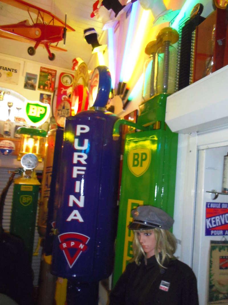 un petit Musée privé sur le thème des vieilles pompes à essence Imgp0739