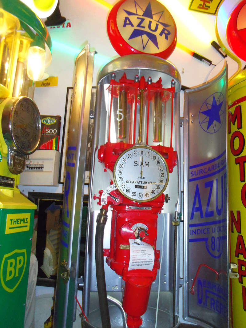 un petit Musée privé sur le thème des vieilles pompes à essence Imgp0750