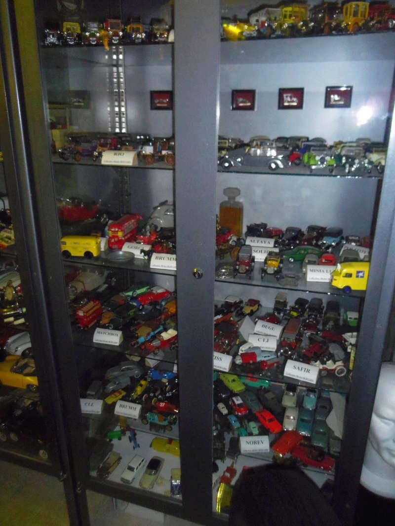 un petit Musée privé sur le thème des vieilles pompes à essence Imgp0751