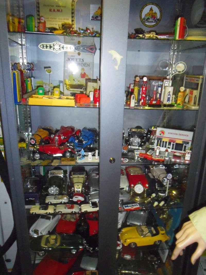 un petit Musée privé sur le thème des vieilles pompes à essence Imgp0752