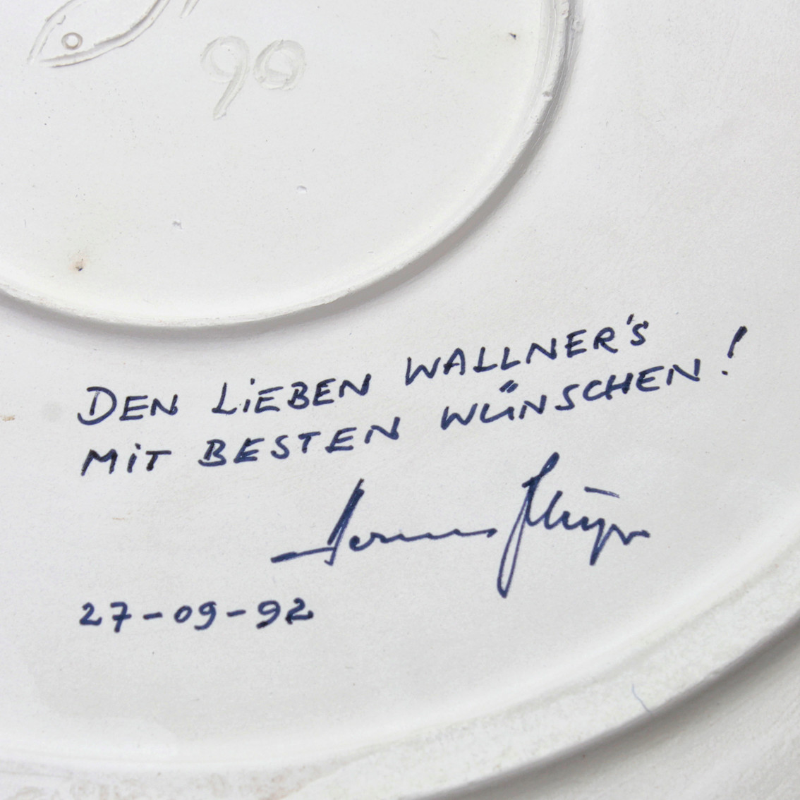 1990 German wall-plate with monogram and illegible signature 6a10