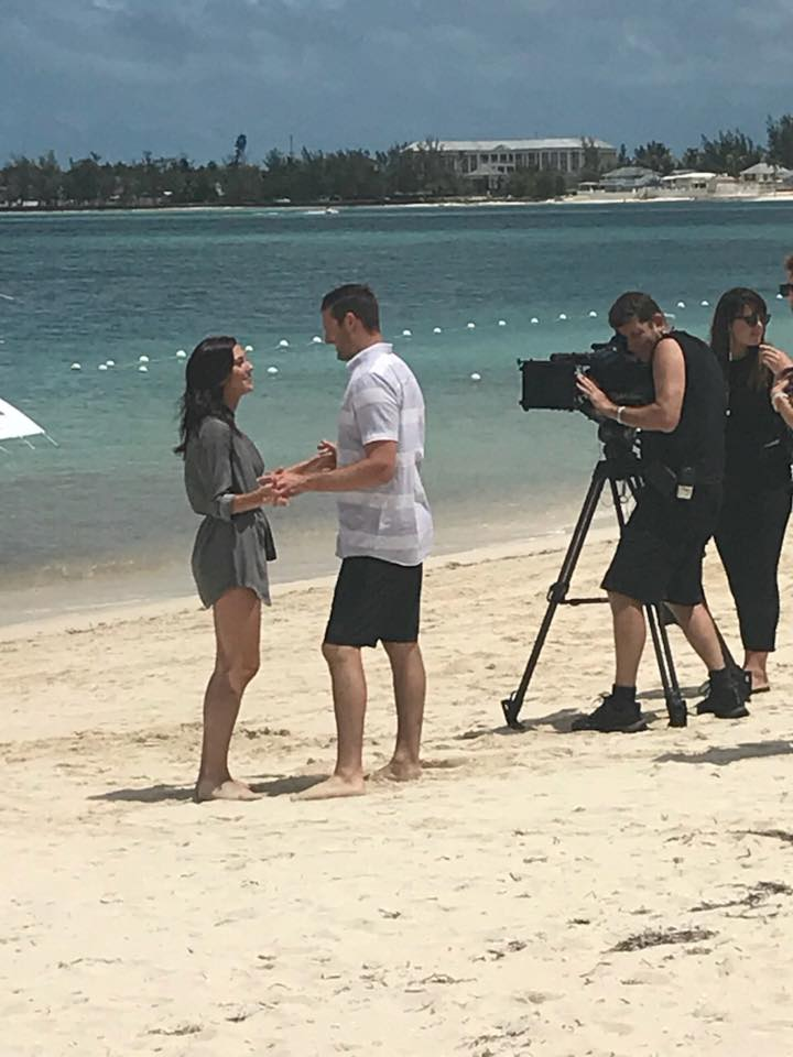 Bachelorette 14 - Becca Kufrin - Media SM - NO Discussion - *Sleuthing Spoilers*  - Page 3 30725910