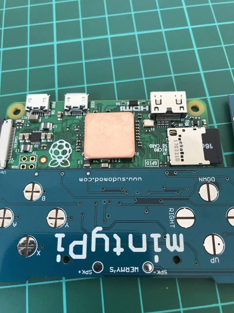 [TERMINÉ]YaYa's MintyPi - Console portable dans une boite de bonbons à la menthe de 9x6x3cm Img_1138