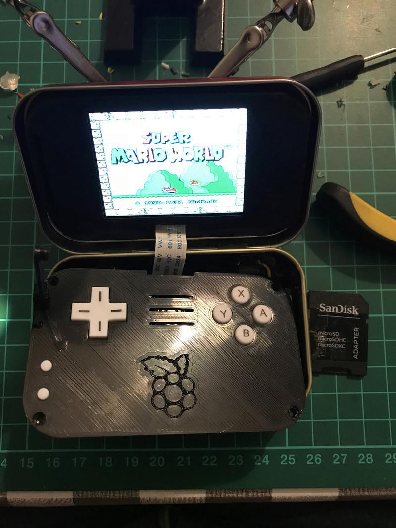 [TERMINÉ]YaYa's MintyPi - Console portable dans une boite de bonbons à la menthe de 9x6x3cm Img_1139