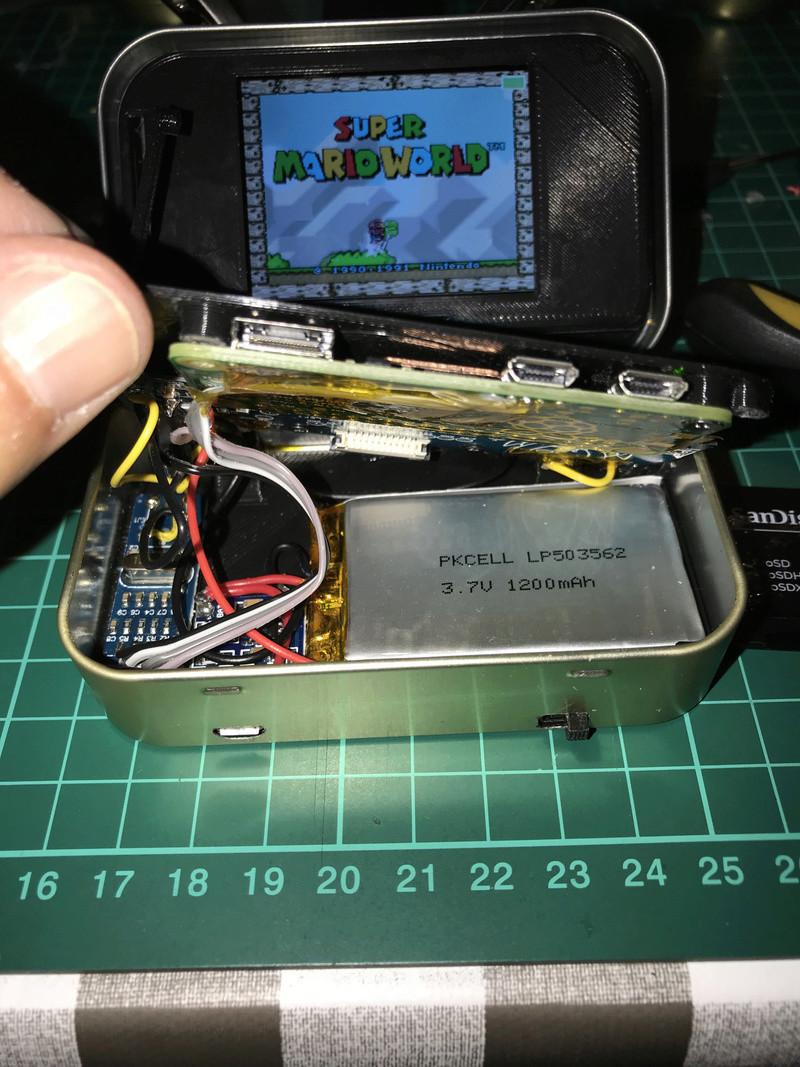 [TERMINÉ]YaYa's MintyPi - Console portable dans une boite de bonbons à la menthe de 9x6x3cm Img_1141