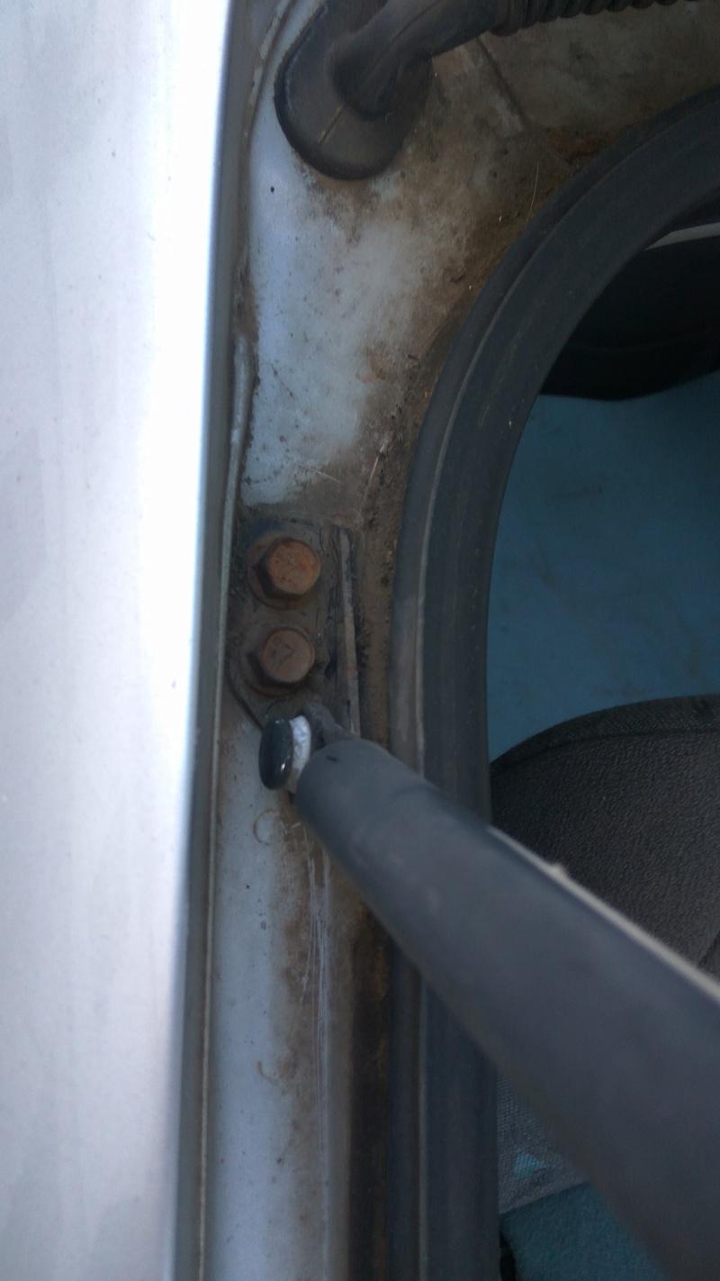 cómo desmontar muelles neumáticos de maletero accent 2000 Img_2010