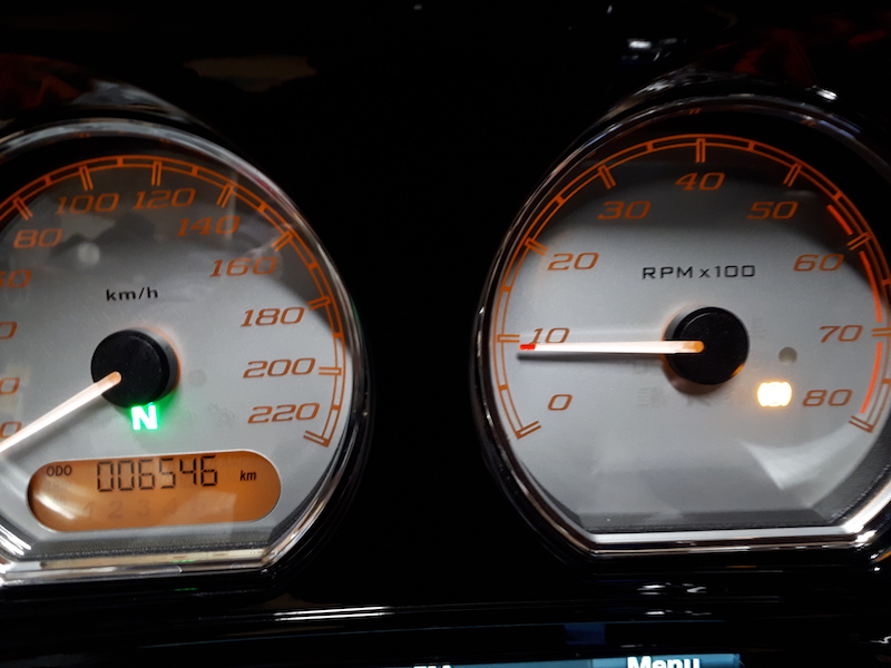 A combien tourne votre M8 au ralenti!? Regime10