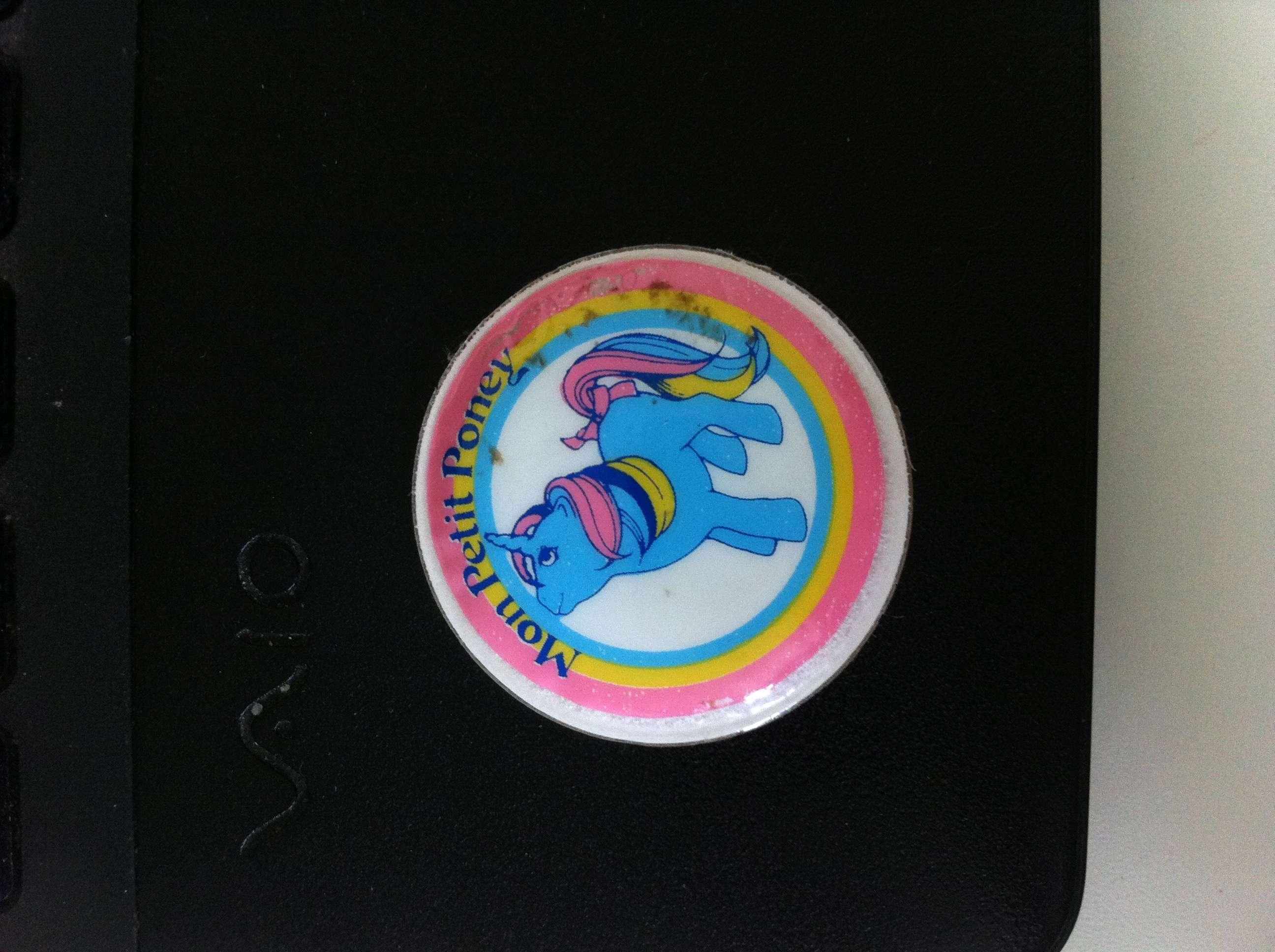 Stickers vendu avec les petits poneys  Img_5310