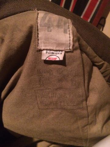 Identification uniforme Français? + outil 24019813