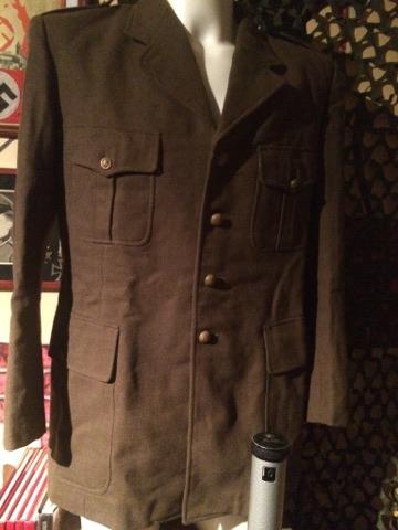 Identification uniforme Français? + outil 24099611