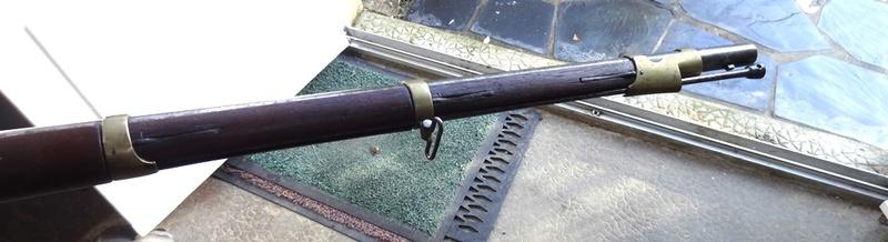 Qui connait ce modèle de fusil - mousqueton Dsc04229