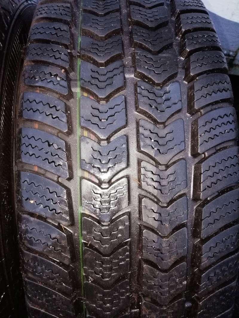 Vends deux pneus neige van grip 2  Img_2011