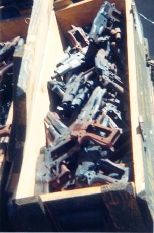 FOTOS DE DESTRUCCION DE DIFERENTES MODELOS DE CETME Y OTRAS ARMAS DEL PATRIMONIO 2012_014
