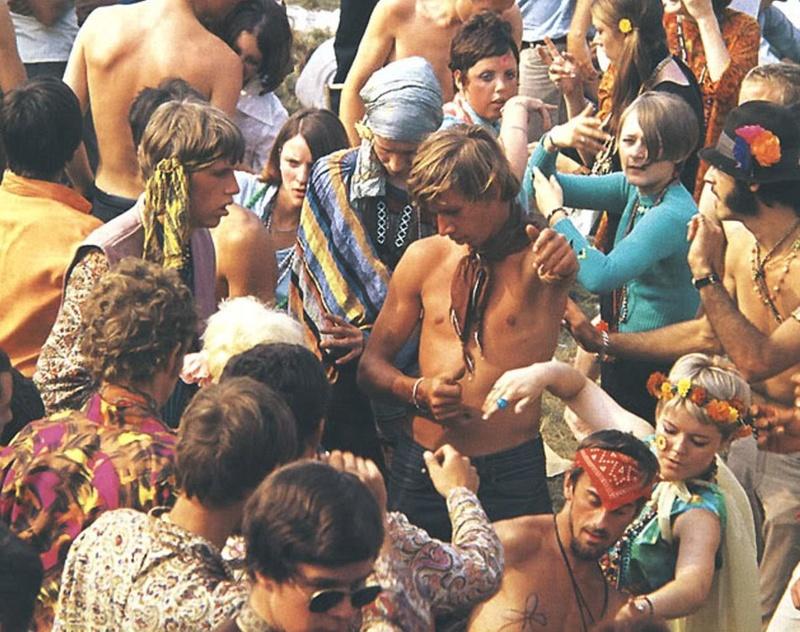 [Jeu] Association d'images - Page 4 Hippie10