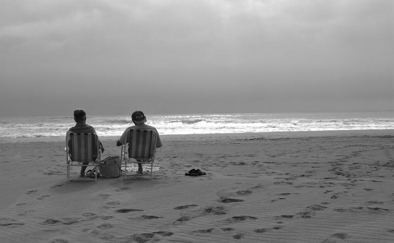 seuls sur la plage Ja081210