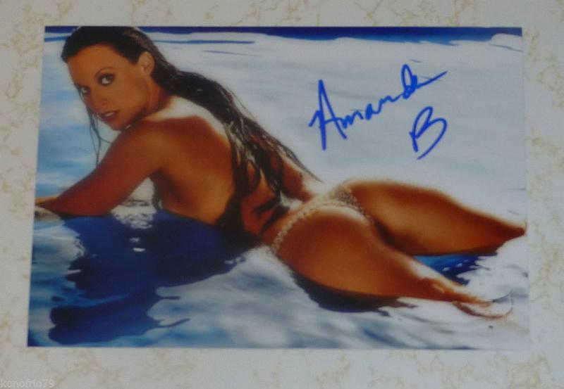 Nalguitas en deportes acuáticos Amanda12