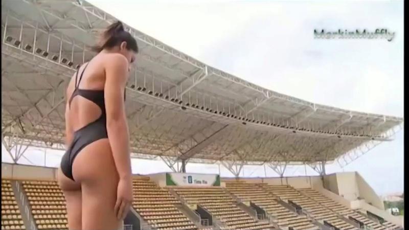 Nalguitas en deportes acuáticos Ingrid10