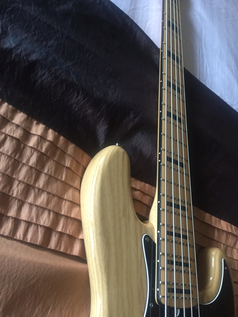 Jazz Bass Deluxe V N° 2 Img_6915