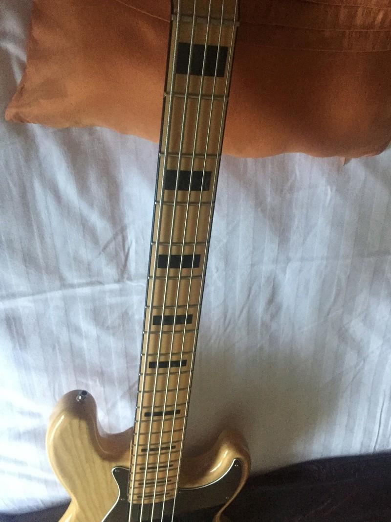 Jazz Bass Deluxe V N° 2 Img_6917