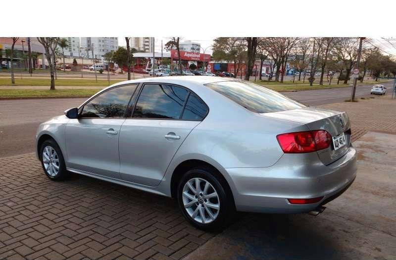 Sobre Volkswagen Jetta 2012 Jetta10