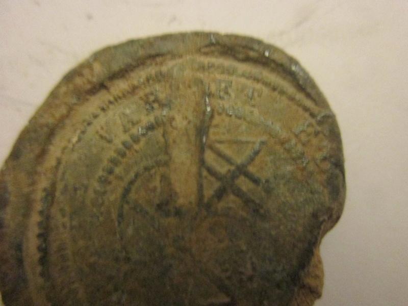 Plomb de scellè de Chapelier de Lyon XVIII éme. Img_5313