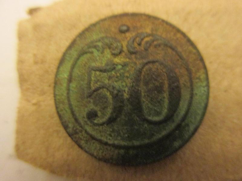 bouton 50éme de ligne I Empire Img_5712
