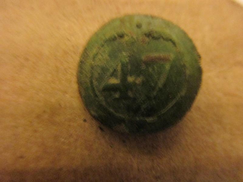 bouton 47éme de ligne I Empire Img_5761