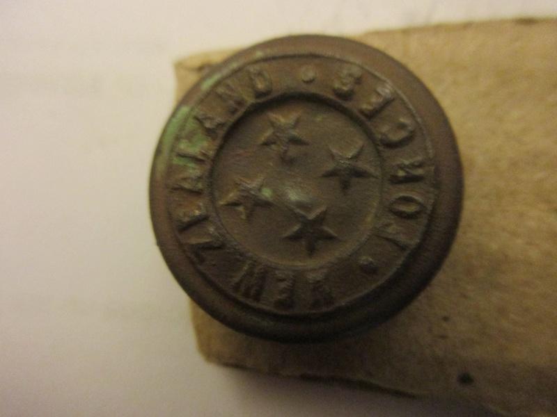 Un autre bouton de I°ligne Australia Military Force  sousle rgne de Georges V? Img_5922