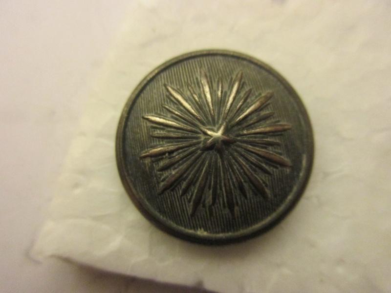 Voici un bouton surement norvégien militaire  Img_6026