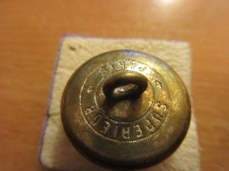 Un bouton superbe, 22 mm Img_6528