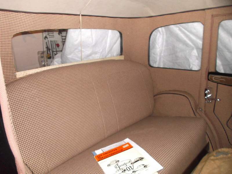 301c limousine de luxe de 1933 - Page 2 Dscf0010