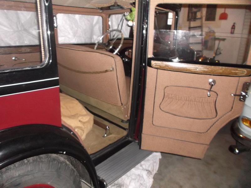 301c limousine de luxe de 1933 - Page 3 Dscf0011