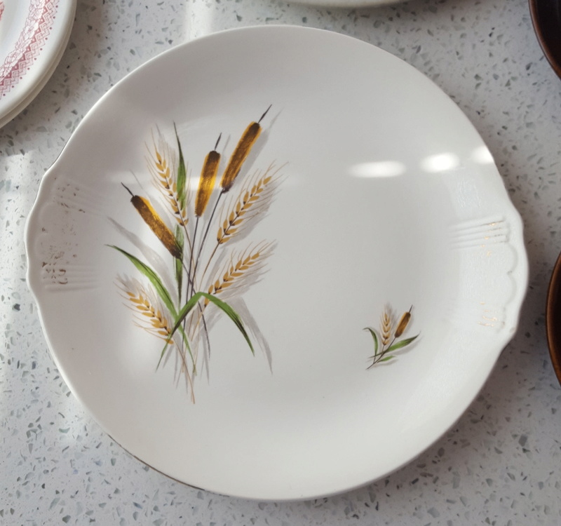 No name Bullrushes & Wildrose Pin dishes Cl_bul13