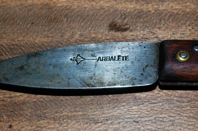Couteau Arbalète 2 clous Coutea19