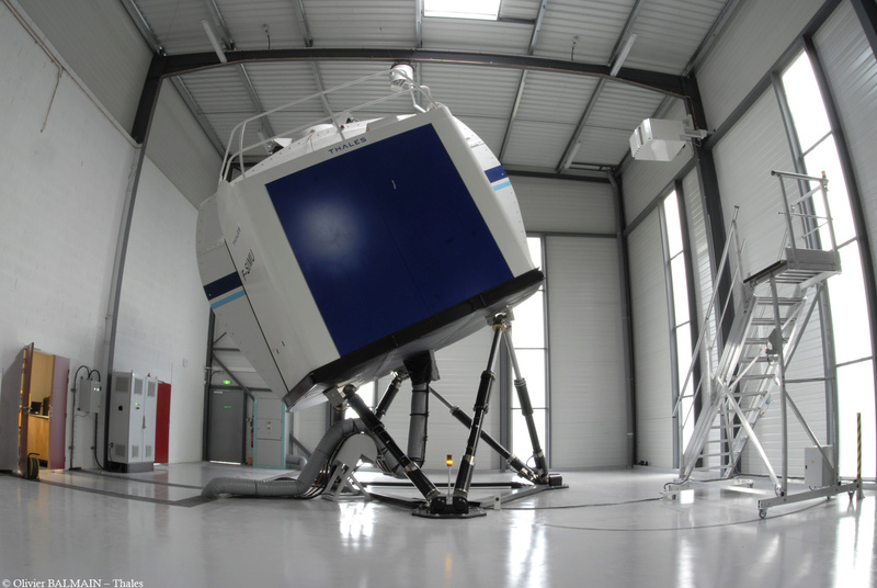 Technicien & Ingénieur Simulateurs de Vol Hélicoptères Simu210