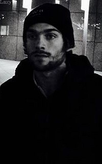 Dylan Sprayberry  - Page 2 Liamva11