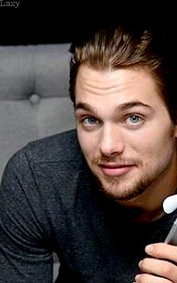 Dylan Sprayberry  - Page 2 Liamva13