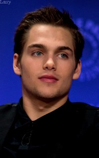 Dylan Sprayberry  - Page 2 Liamva18