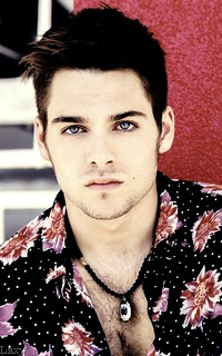 Dylan Sprayberry  - Page 2 Liamva22
